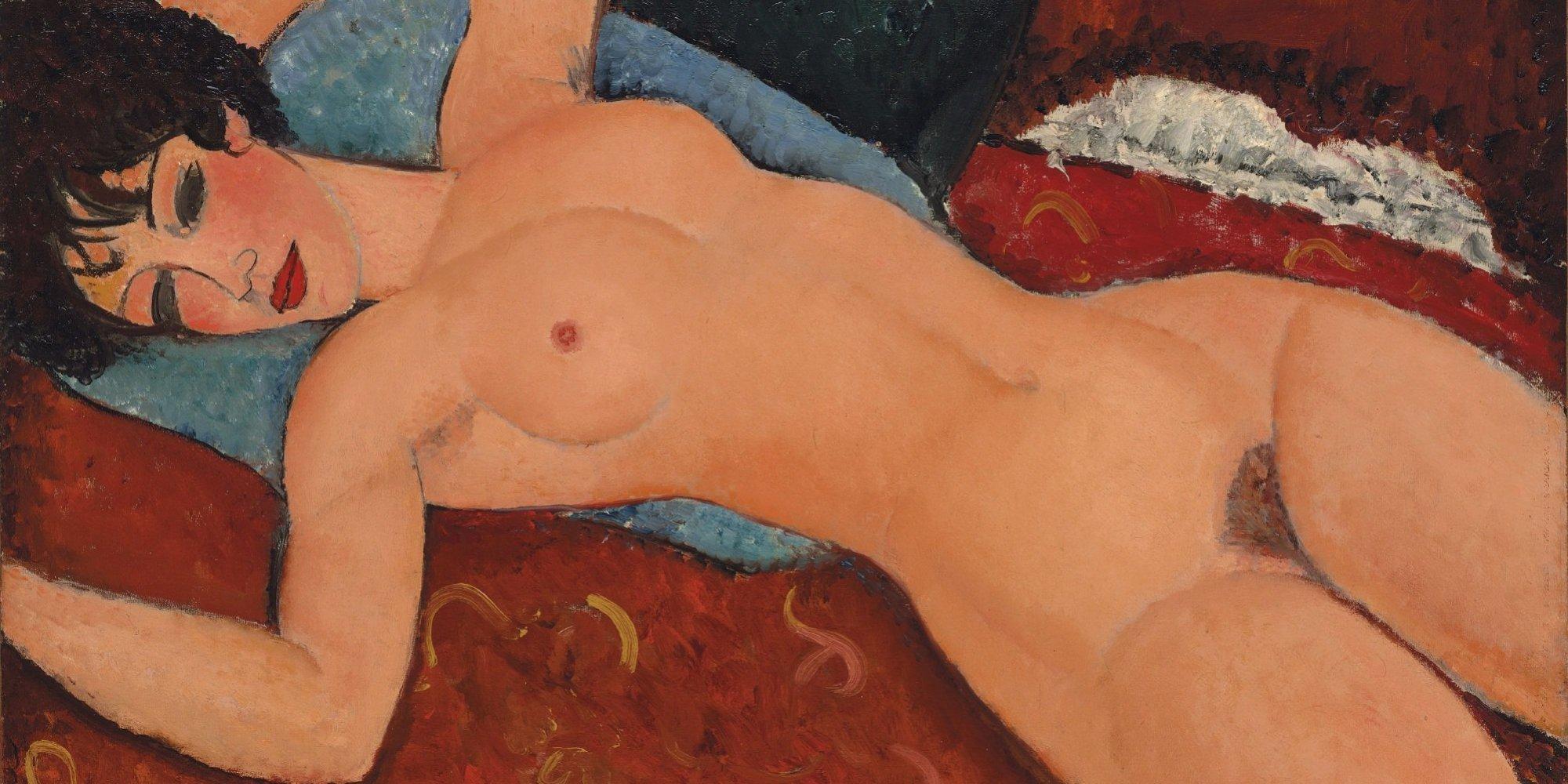"""HAN02. NUEVA YORK (EE.UU.), 09/11/2015.- Imagen sin fecha cedida por la casa de subastas Christie's de la obra Nu Couche del artista italiano Amedeo Modigliani (1884-1920). La casa de subastas Christie's dio hoy, lunes 9 de noviembre de 2015, el pistoletazo de salida a su temporada de otoño con una noche en la que se batieron récords con tres obras de los artistas Amedeu Modigliani, Roy Lichtenstein y Paul Gauguin. El estreno fue aún más dulce teniendo en cuenta que su principal competidora, Sotheby's, había arrancado la temporada con ligera decepción pese a sacar al mercado la artillería pesada de su expropietario Alfred Taubman con cerca de 80 retratos de artistas como Pablo Picasso, Paul Degas y el propio Modigliani. Dentro de la subasta de Christie's dedicada a """"la musa del artista"""", la pintura """"Reclining Nude"""" (Desnudo acostado) de Modigliani consiguió llegar hasta los 170,4 millones de dólares de precio final (152 millones de precio de martillo), con lo que superó con creces el último récord del artista, que se situaba en 71 millones. EFE/CHRISTIE'S/SOLO USO EDITORIAL/NO VENTAS"""